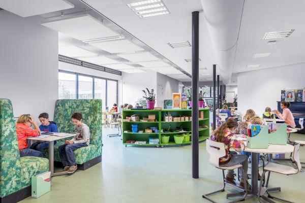 De Werkplaats Kindergemeenschap, TenW Architecten. Photo by Thea van den Heuvel DAPh