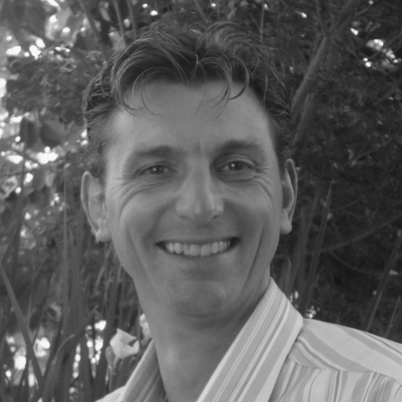 Dr Ken Woodman